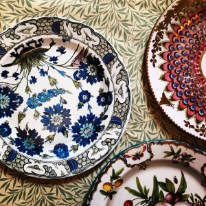 Floral picnic plates