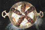 Kebab med tomatsauce og youghurt