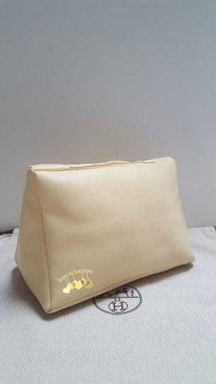 cushion-b30-benedict-cream