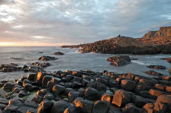 Take a stroll at the Giant's Causeway on the shortest day of the year_SHT1275