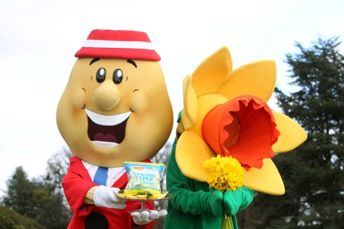Tayto and Daffy back to back with crisps embed
