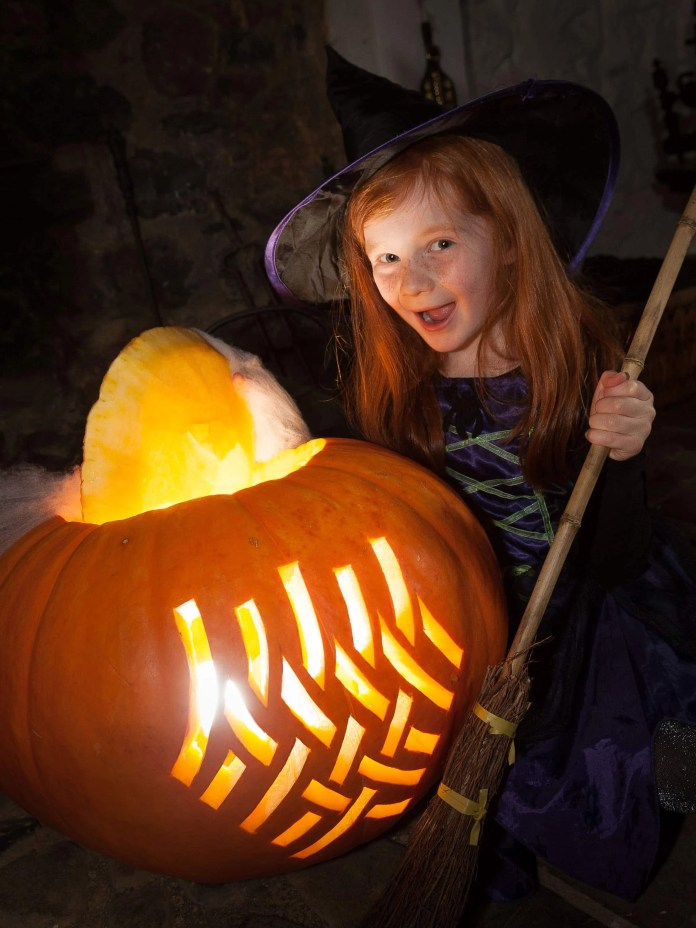 conjuring-up-a-spooktacular-halloween