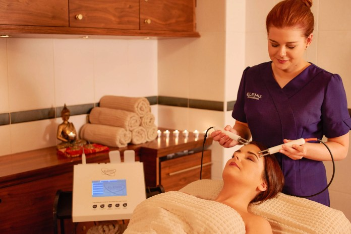 Roe Park Resort spa therapist Eimear Logue is pictured delivering the new Elemis BIOTEC treatment.