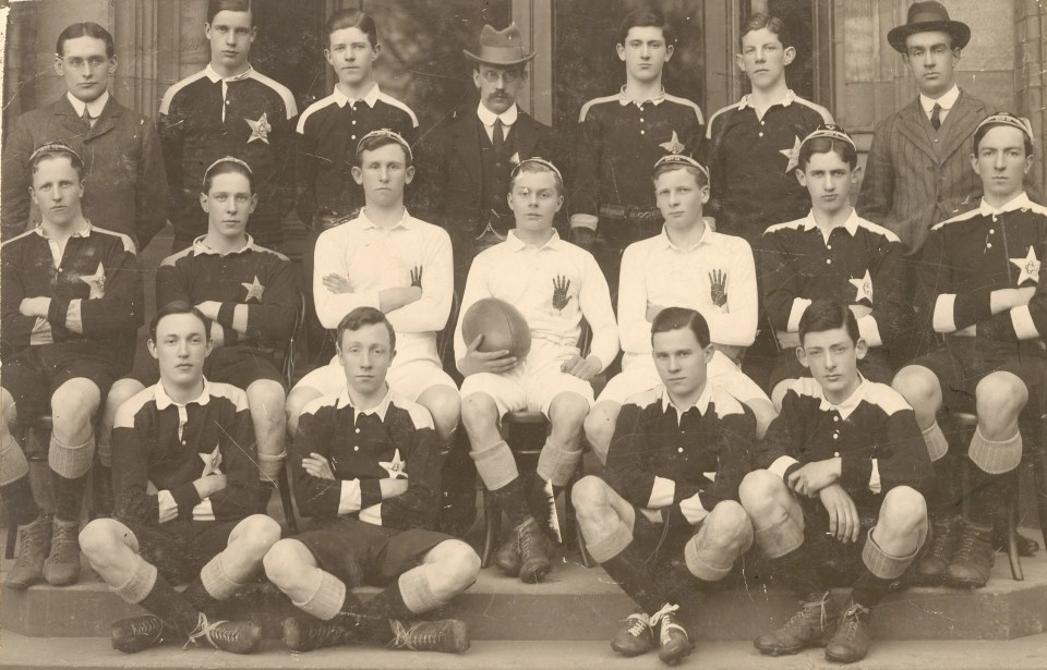 Campbell College Rugby Team pays tribute to WW1 heroes