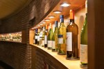 How to store wine at home?