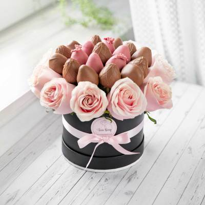 Pink Rose Box with Chocolate Strawberries