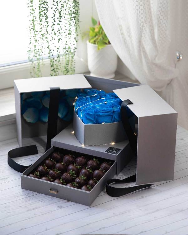 chocolate covered strawberry basket for her