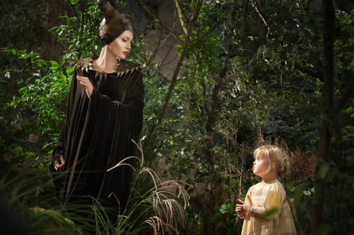 """NEW """"Finger Prick"""" Trailer from MALEFICENT {Disney} #MaleficentEvent"""