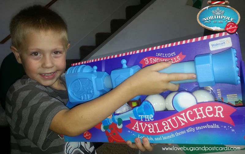 Hallmark Northpole Gifts -  Avalauncher and the Magic Snowball