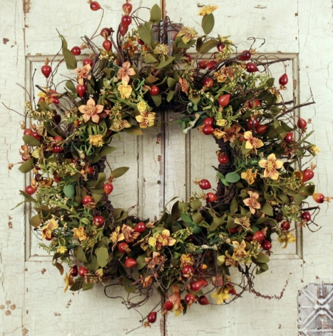 15 Christmas Wreath Ideas - Berry Wreath