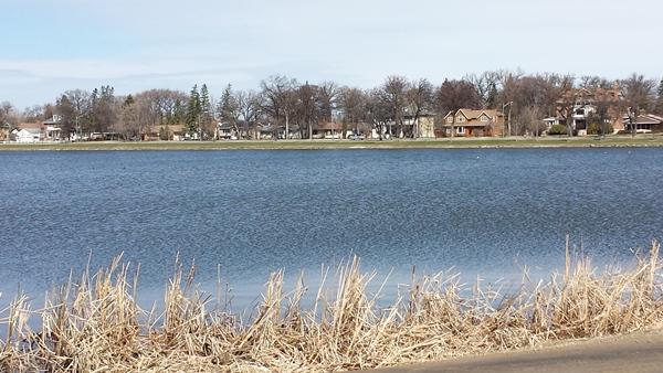 Ширина озера довольно небольшая
