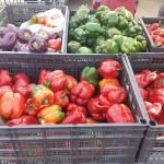 Противникам пластмассовых помидор посвящается
