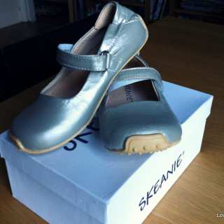 Kids Skeanies Review: Shoes I wish they made for Grown Ups!