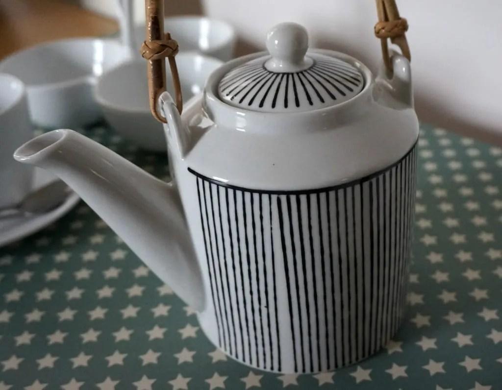 Aram Teapot