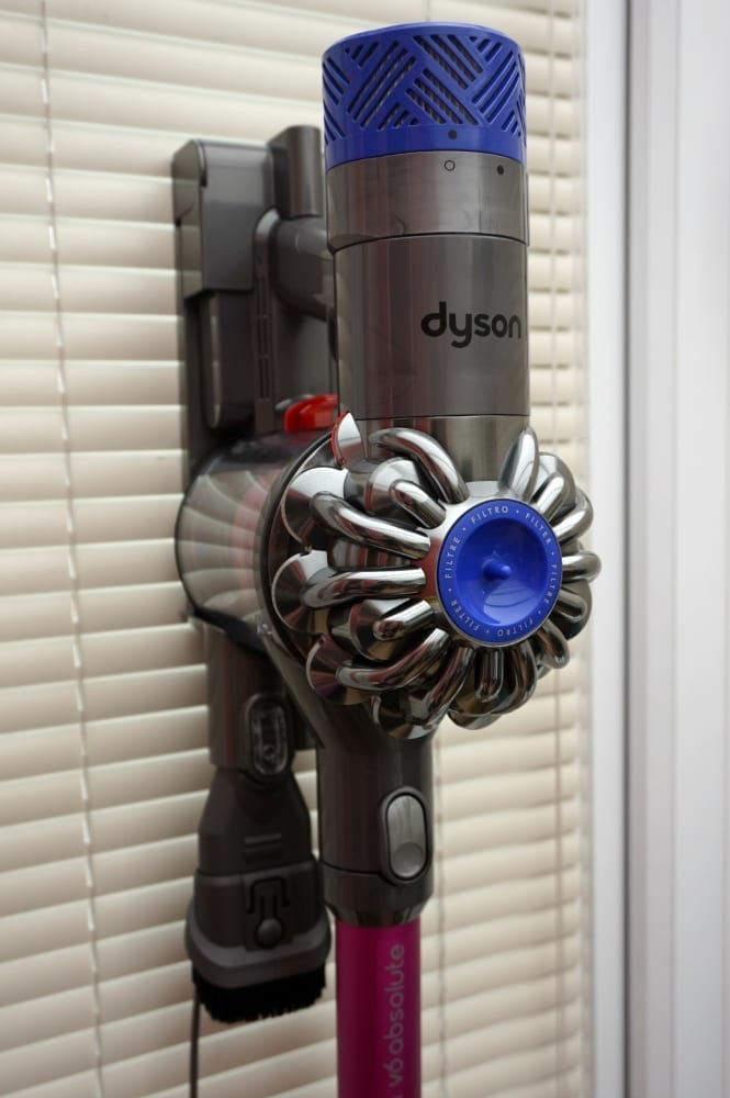Review Dyson V6 Absolute Vaccum Love Chic Living