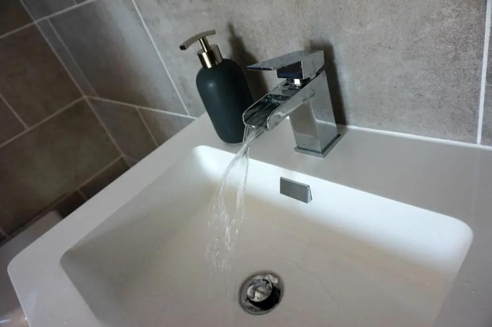 Waterfall tap