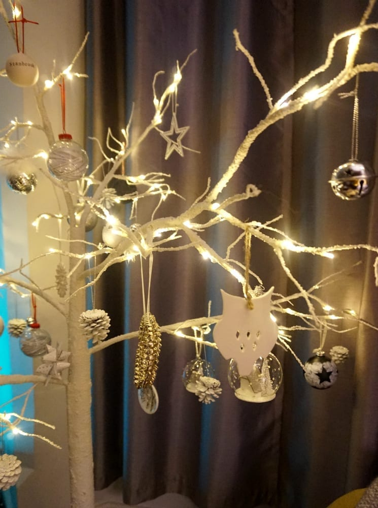 decorated-twig-tree