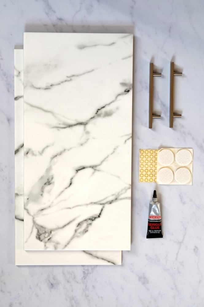 Full tutorial on how to make an easy diy marble tray and matching coaster set - this really is incredibly simple, you won't believe how easy it is!