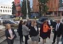 """Министър Цецка Цачева и кметът Корнелия Маринова  откриха  специалната  """"Синя стая"""" в Ловеч"""