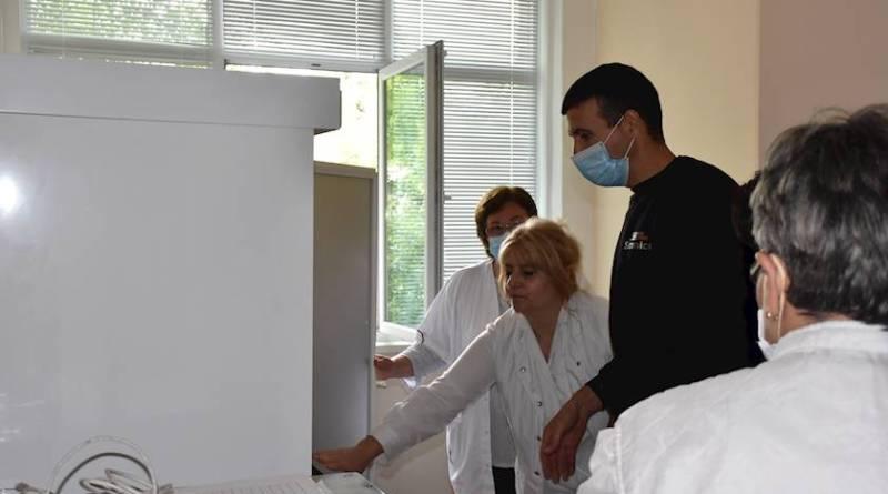 Нов хладилник за съхранение на плазма получи ловешката болница