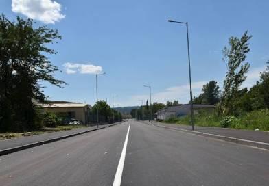 Откриха изцяло обновена улица в Източната индустриална зона на Ловеч