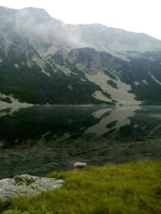 12 известните пеперуди - отражения на езеро Грънчар