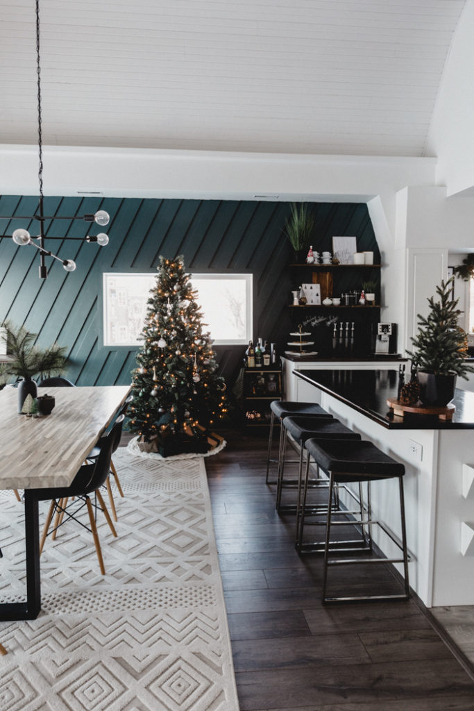 Modern Christmas Decorating Ideas For The Kitchen And Dining Room Love Create Celebrate