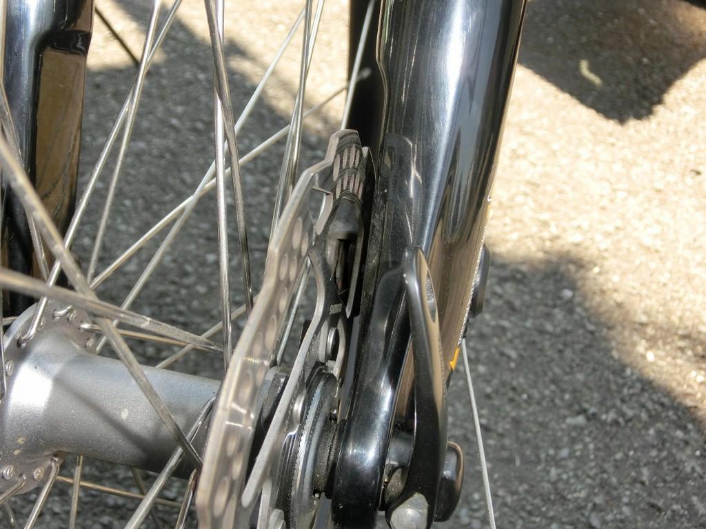 自転車ディスクブレーキ(機械式) 遊びの調整