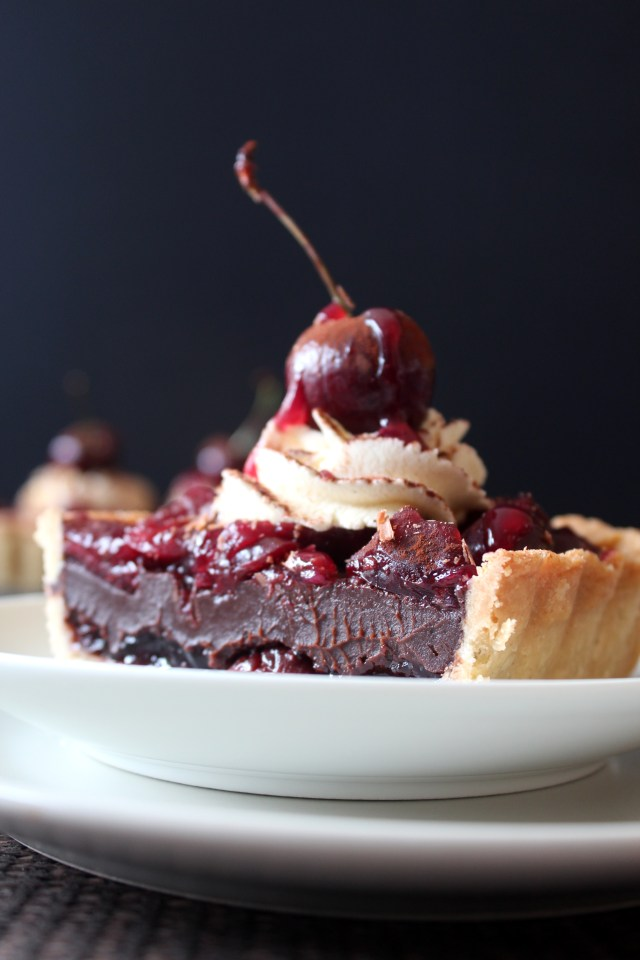 Eggless Blackforest Tart7