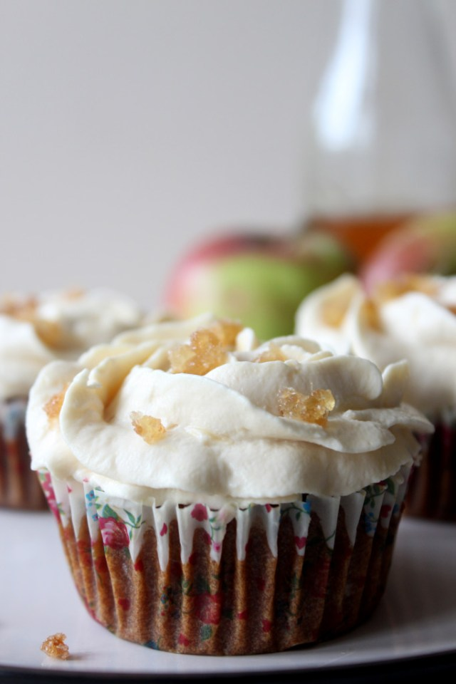 apple eggless5