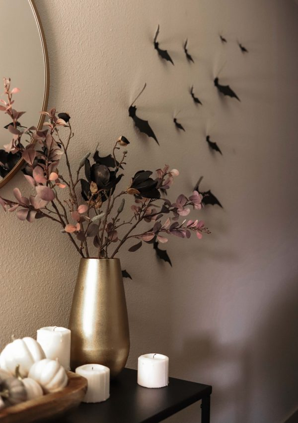 SPOOKY BUT CHIC HALLOWEEN DECOR INSPIRATION