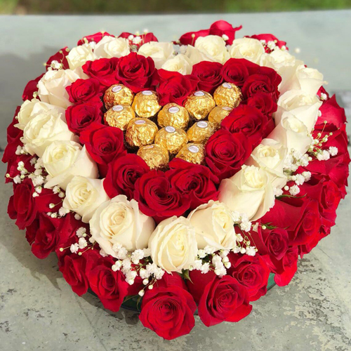 Flower Cake With More Than 100 Roses And Chocolates Birthday Flower