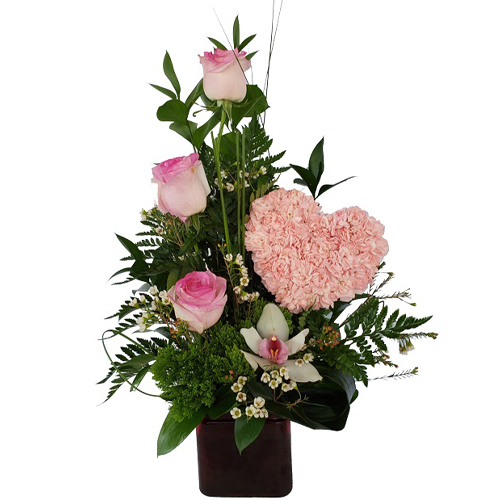Small-pink-heart-and-3-roses