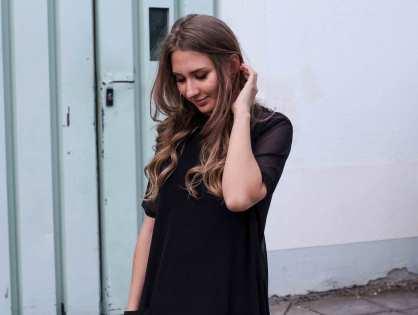 OOTD: T-Shirt-Kleid aus Netzstoff und süße Löckchen