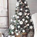 Simple Farmhouse Christmas Bedroom Love Grows Wild