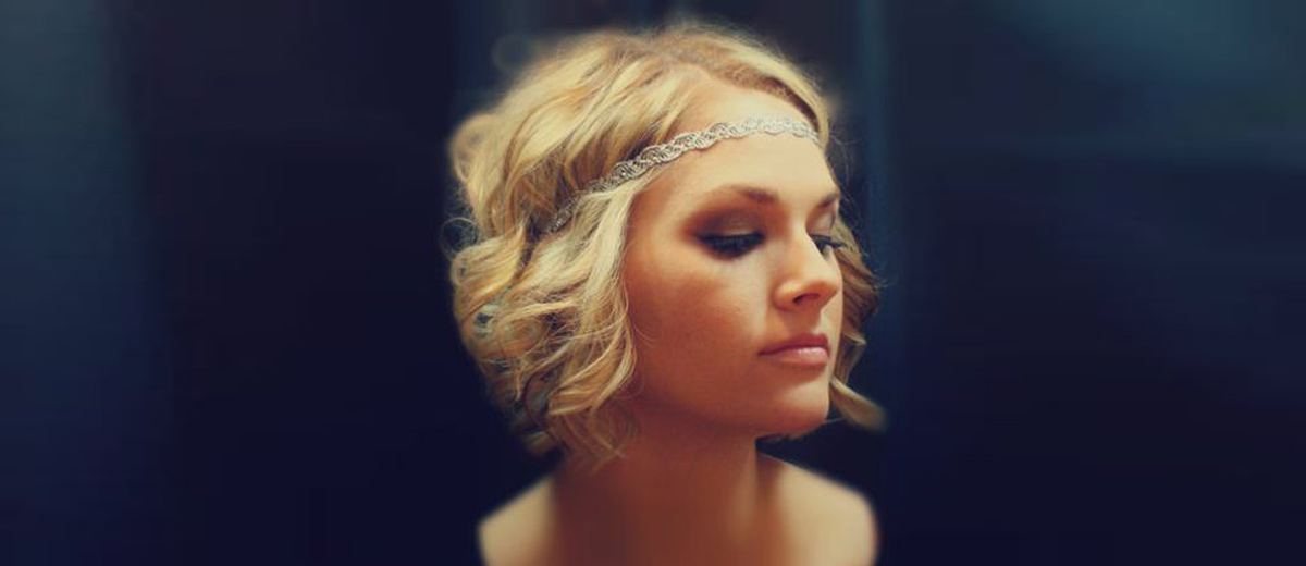 18 Short Hairstyles For A Christmas Party Lovehairstyles Com