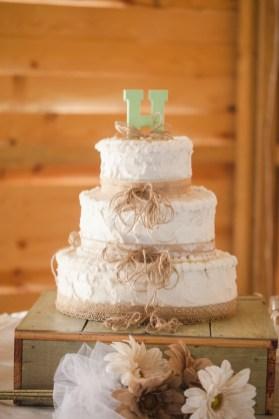 rustic-monogram-wedding-cake