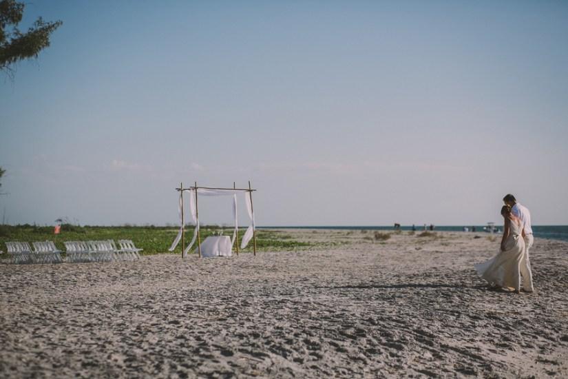 palm-island-beach-wedding-95
