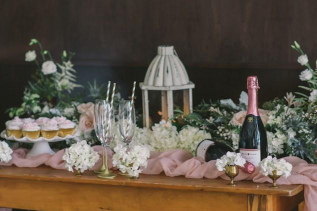 blush-and-gold-wedding-decor-nova-markina-photography