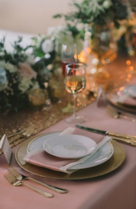 gold-flatware-weddings-nova-markina-photography