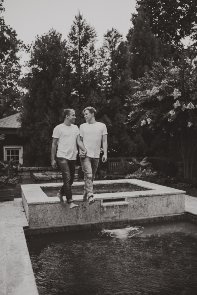 sexy-swimming-pool-engagement-session-virginia-reese-photography-7