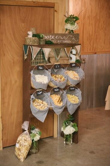 rustic-wedding-popcorn-station