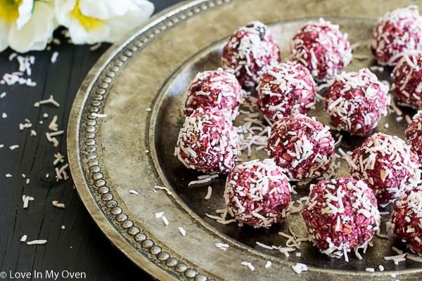 raspberry coconut bites