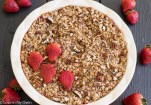 strawberry streusel baked oatmeal