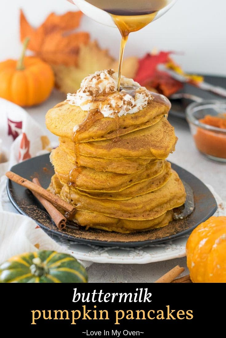 If pumpkin pie pancakes sound delightful to you, these buttermilk pumpkin pancakes will not disappoint! Made healthier with no refined sugars, your whole family will love these easy pumpkin pancakes! // pumpkin pancakes // easy pumpkin pancakes // buttermilk pumpkin pancakes