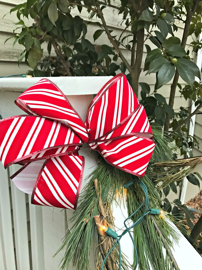 Outdoor Christmas Decorations: Velvet Ribbon