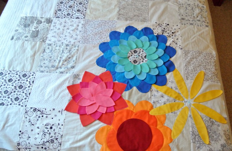 Large Flower Applique Quilt Progress