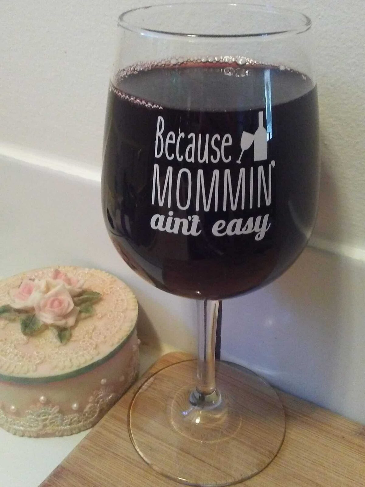 Because Mommin' Aint Easy: DuVino Wine Glasses for Mom!