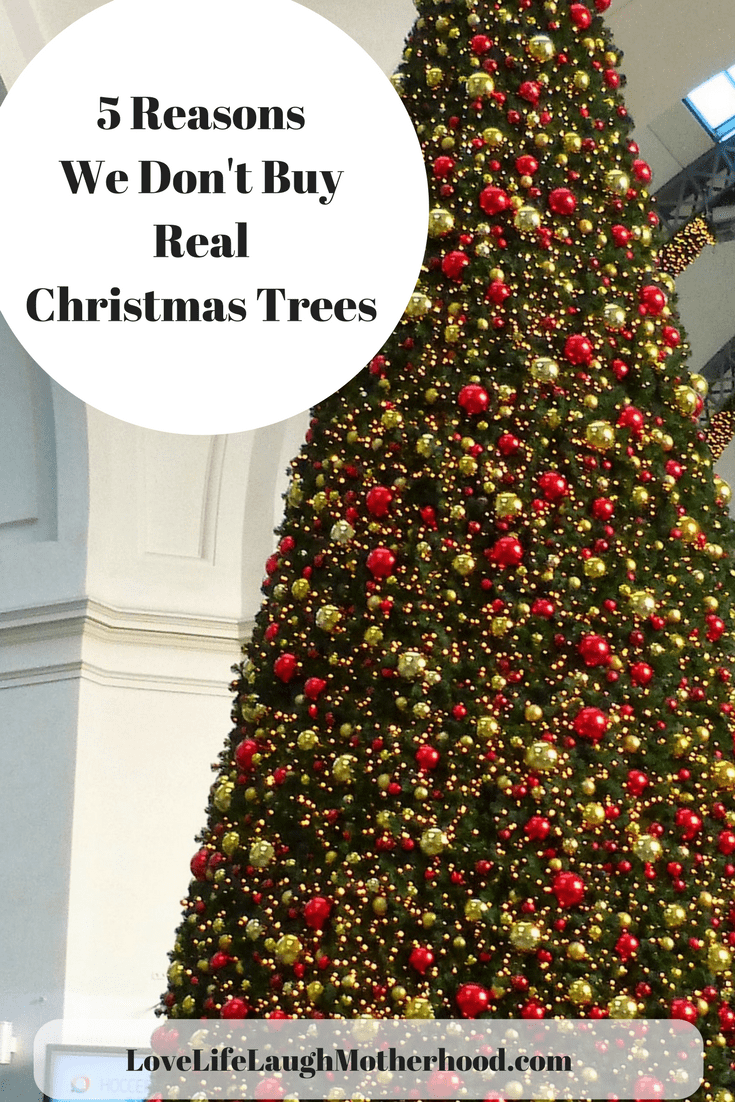 5 reasons We Don't Buy Real Christmas Trees #christmas #christmastree #artificialchristmastree