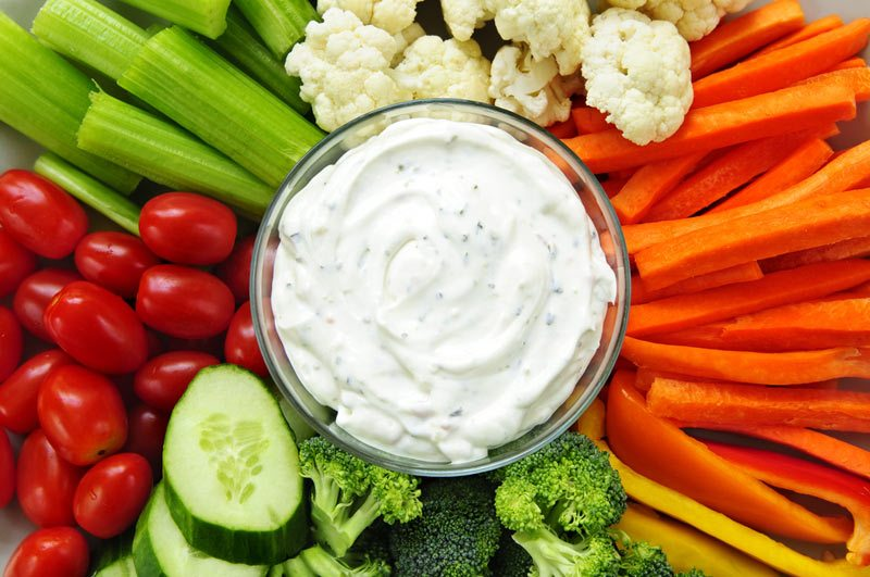 ranch-dip-with-veggies